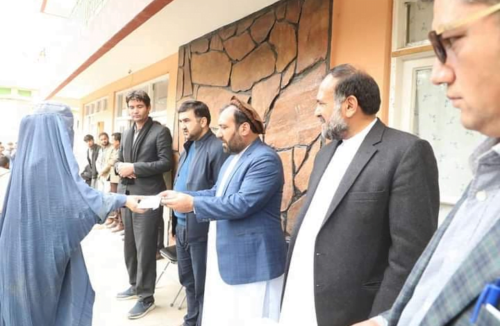 Martyr Baba Mazari Foundation helped flood victims in Parwan